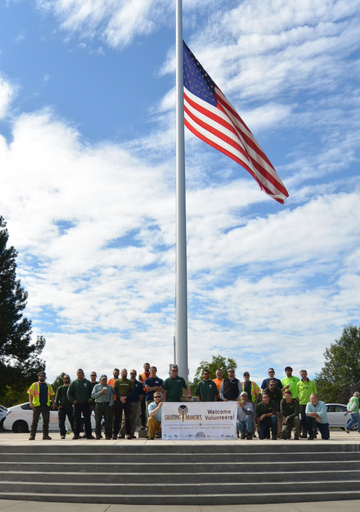 Group photo of volunteers at Saluting Branches event at Willamette National Cemetery, September 2015