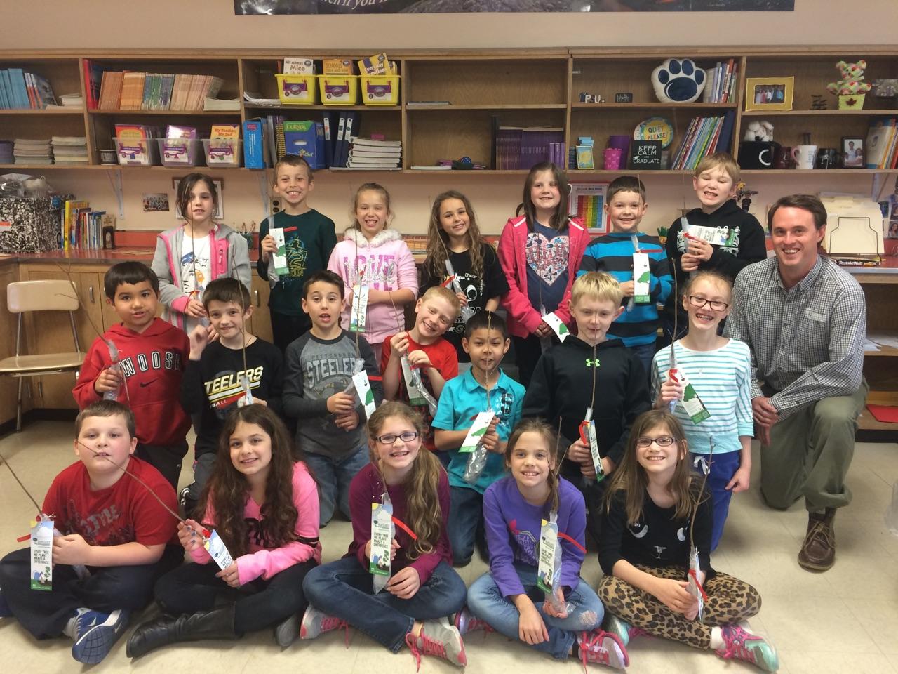 Students Receive Free Seedlings